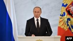 Президент России Владимир Путин выступил с ежегодным посланием в Кремле. Москва, 3 декабря 2015 года.