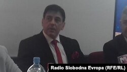 Професорот Миодраг Лабовиќ