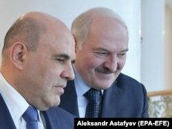 Mihail Misusztyin orosz miniszterelnök és Alekszandr Lukasenka minszki megbeszélésükön, 2021. április 16-án.