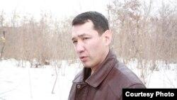 Нурлан Утеулиев, экологический активист. Поселок Тастыбулак Карасайского района Алматинской области, 4 марта 2013 года. Фото из семейного архива.