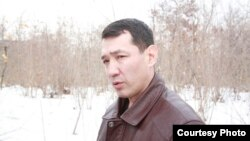 "Нурлан Утеулиев, активист экологического движения ""Табигат"". Поселок Тастыбулак Карасайского района Алматинской области, 4 марта 2013 года."