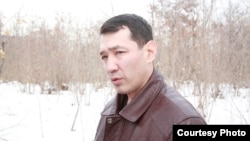 Нурлан Утеулиев, активист экологического движения «Табигат». Фото сделано в день акции протеста против вырубки леса. Поселок Тастыбулак Карасайского района Алматинской области, 4 марта 2013 года.