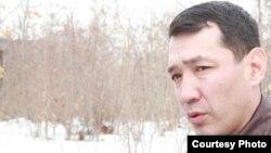 """Нурлан Утеулиев, убитый активист экологического движения """"Табигат"""". Поселок Тастыбулак Карасайского района Алматинской области, 4 марта 2013 года. Фото из семейного архива."""