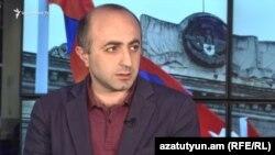 Արցախի «Ազգային վերածնունդ» կուսակցության նախագահ Հայկ Խանումյանը հարցազրույց է տալիս «Ազատությանը», արխիվ