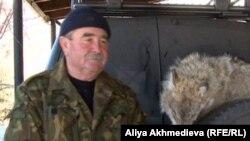 Сергей Печуркин, охотник. Алматинская область, февраль 2013 года.