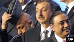 Azerbaijani President Ilham Aliyev (center) with world leaders at a summit of NATO leaders in Chicago, in May 2012.