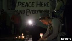 Građani u SAD pale sveće za ubijene i ranjene na Bostonskom maratonu