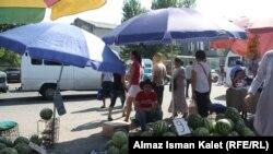Бишкектеги Ош базары, 2011-жылдын 15-июлу.