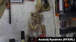 В мастерской Василия Слонова