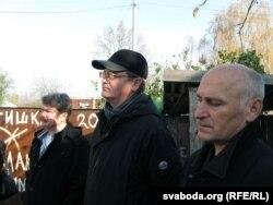 Барыс Пятровіч (справа), АлесьПашкевіч і Міхась Скобла