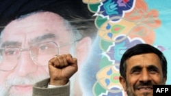 претседателoт Махмуд Ахмадинеџад