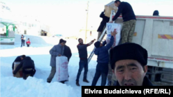 Сирияга гумжардам жөнөтүп аткан вандык кыргыздар. 2016-жыл