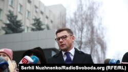 Руслан Чорнолуцький біля ІТТ СБУ в Києві, 9 грудня 2017 року