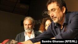 Слева направо - турецкий актер Халуг Бильгинэр, продюсер Зейнеп Озбатур атакан и и режиссер Нури Бильге Джейлан во время пресс-конференции в 67-м Каннском кинофестивале,19 мая 2014