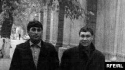 Şahyr Gurbannazar Ezizow (çepde) we kompozitor Nury Halmämmedow