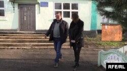 Олег Чумак каже, що лише від знімальної групи дізнався і про видобуток танталу, і про слухання