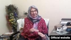 احترامالسادات نوابصفوی٬ مادر زهرا رهنورد، در سن ۹۳ سالگی درگذشت.