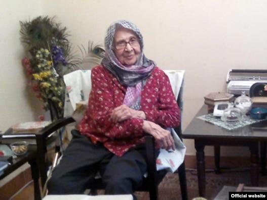 احترام السادت نواب صفوی، مادر زهرا رهنورد