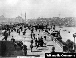 """""""Üçüncü Galata Köprüsü""""... İstanbul 19-cu əsrin sonunda"""