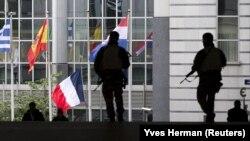 Vojnici ispred zgrade Evropskog parlamenta u Briselu, 17. novembar 2015