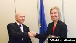 Pamje gjatë një takimi të mëparshëm Mustafa - Mogherini