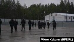 Охранники на полигоне