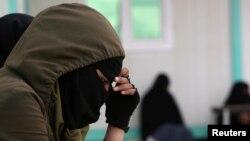 Supruga jednog militanta tzv. Islamske države u kampu al-Hol, Sirija, april, 2019.