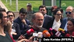 «Я не ожидаю задержания, потому что ничего не совершал», – это слова Малхаза Мачаликашвили, произнесенные им перед тем, как войти в здание «модуля»