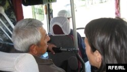Янги тартибга кўра¸узоқ масофага чиққан йўловчилар тонгни автобус ичида оттирадилар.