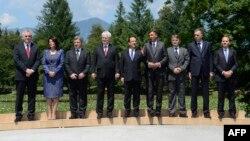 Претседателите на 8 земји од западен Балкан со претседателот на Франција Франсоа Оланд во Брдо кај Крањ на 25 јули 2013 година.