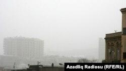 Bakıda tozlu hava, aprel 2011