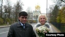 O'zbek Jimmi Boymurod va uning xotini Lyudmila