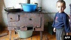 У первых беженцев, прибывших в Северную Осетию почти 20 лет назад, уже появились внуки, но не благоустроенный быт