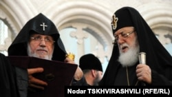 Georgia -- Catholicos of All Armenians Garegin II (R) and Catholicos-Patriarch of All Georgia Ilia II meet in Tbilisi, 10Jun2011