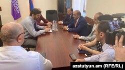 Встреча Ваге Григоряна с депутатами фракции «Лусавор Айастан», Ереван, 12 июня 2019 г.