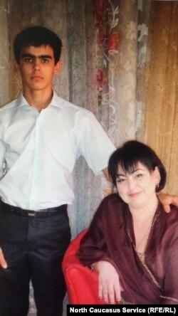 Задержанный Гасан Курбанов и его тетя Зейнаб Рабаданова