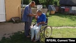 Брат Луиджи помогает Ивану