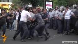 Արամ Մանուկյան․ Աննախադեպ էր լրագրողների նկատմամբ ցուցադրական դաժանությունը