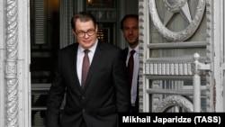Витеслав Пивонка беше привикан от Министерството на външните работи на Русия в Москва във връзка с изгонените на 5 юни от Прага руски дипломати