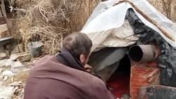 Житель кладбища: История мужчины, который 5 лет живет на кладбище