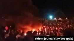 اعتراضات در شهر سیرجان ایران در برابر افزایش قیمت تیل