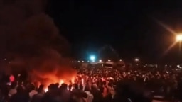 تصویری از نخستین شب اعتراضها در سیرجان/ سرکوب اعتراضها در این شهر دست کم دو کشته به جا گذاشته است