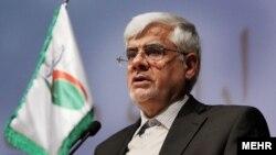 محمدرضا عارف به حزب اعتدال و توسعه توصیه کرد که راه خود را از اصلاحطلبان جدا نکنند.