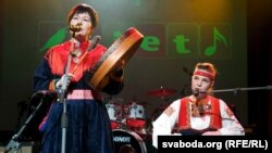 """Саамскі дуэт """"Айла"""" на фэстывалі Liet International"""
