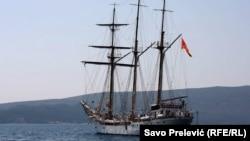 """Školski brod """"Jadran"""""""