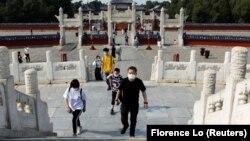 Kina je za vikend nakon višemesečne pauze ponovo otvorila muzeje i kulturno-istorijska mesta poput Nebeskog hrama u Pekingu, 1. maj 2020.