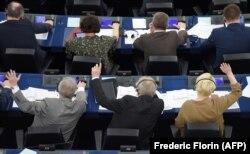 Голосование членов Европарламента 26 марта