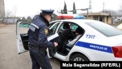 პოლიციას თავშესაფარში გადაჰყავს უსახლკარო