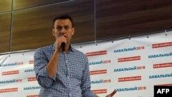 Алексей Навальный на встрече с волонтерами в Твери