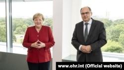 Njemačka kancelarka Angela Merkel i visoki predstavnik Christian Schmidt sastali su se u Berlinu, kako bi razgovarali o trenutnim političkim zbivanjima u Bosni i Hercegovini, 18. august 2021. godine.